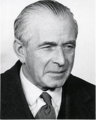 William L Weipers