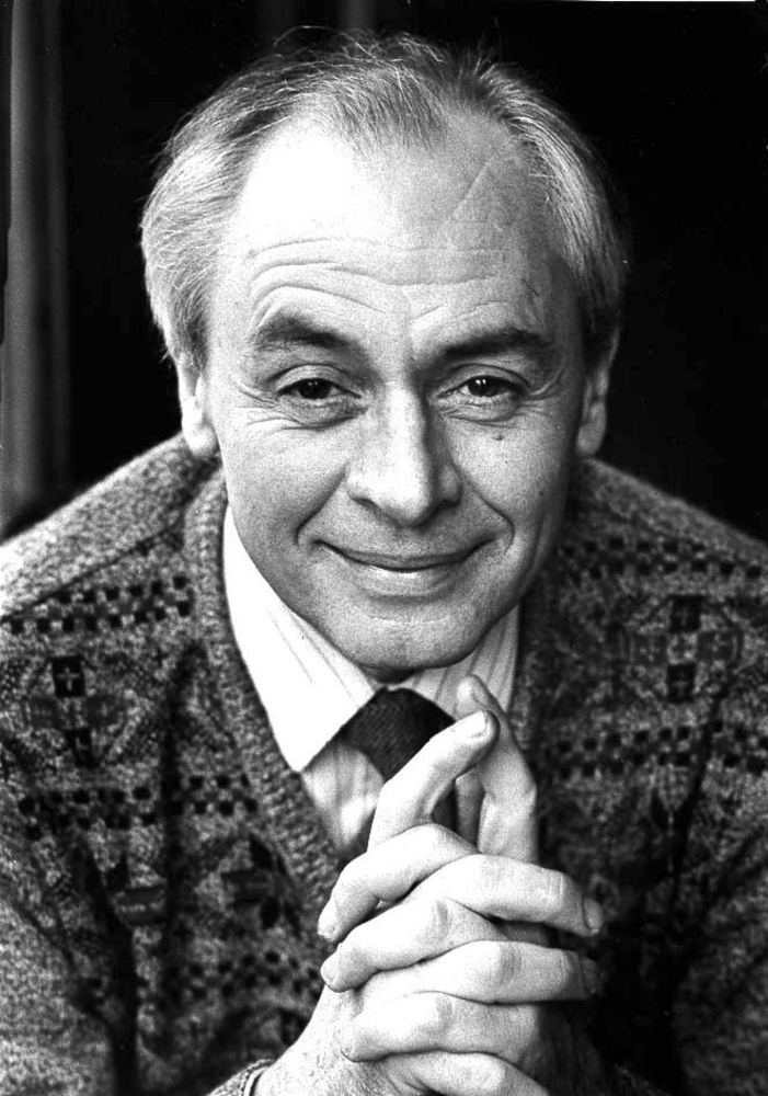 r.d. laing essay Dr laing's first purpose is to make madness and the process of going mad  comprehensible in this, with case studies of schizophrenic patients, he succeeds.