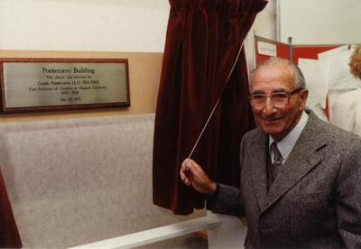 Guido Pontecorvo opening the Pontecorvo Building, 1995