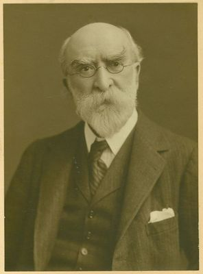 Dr George Middleton