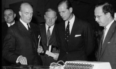 Kenedi (right) at visit of Duke of Edinburgh to engineering laboratories of Strathclyde University in 1961