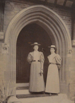 Emily Gertrude Dorman Bostock (left) and sister